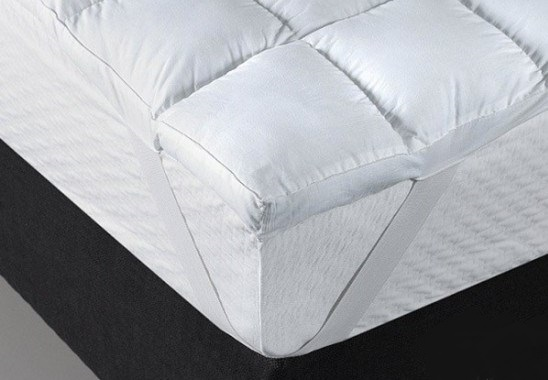 Mattress pad from La Compagnie du Blanc