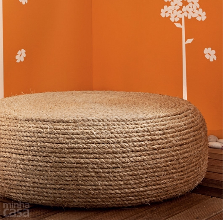 Rope ottoman DIY project