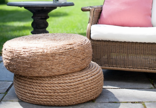 a diy ottoman with tire and rope bnbstaging le blog. Black Bedroom Furniture Sets. Home Design Ideas