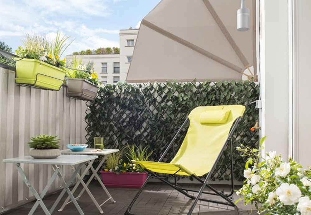 Give privacy to a balcony, Castorama - BnbStaging the blog