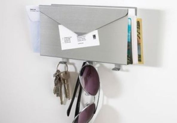 Mail holder key hook