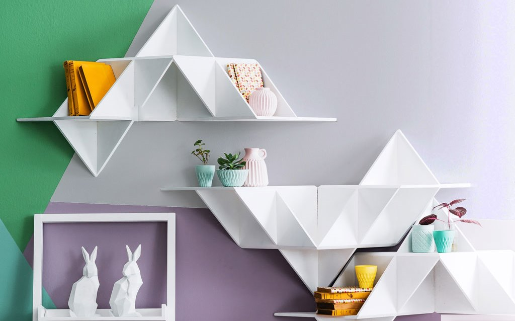 Shelves in shape of origami