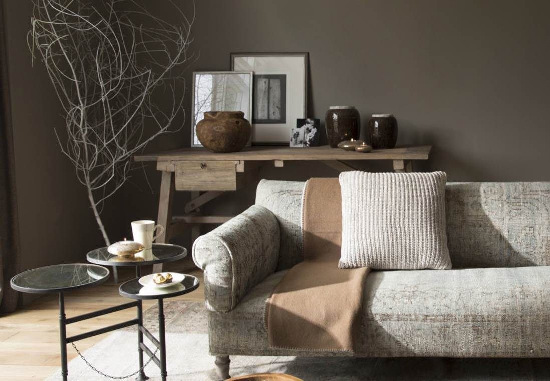 Cosy living room with three branches decoration