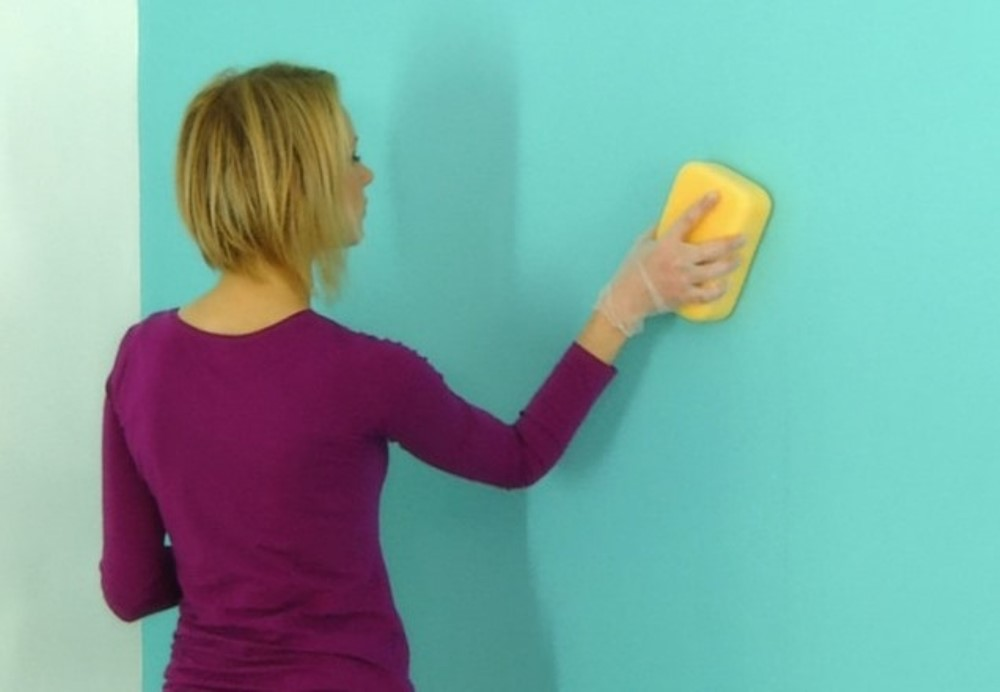 Removing stains off a wall, 4 murs - BnbStaging the blog