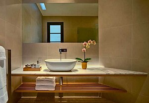 Bathroom with a spa atmosphere